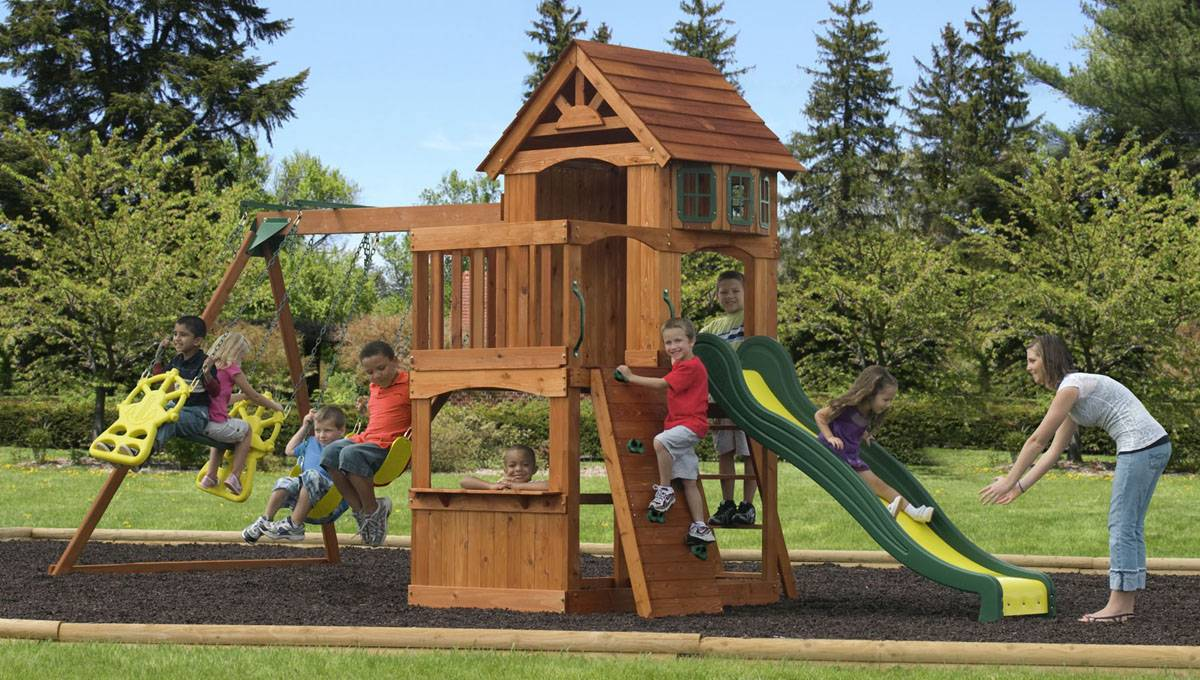 considering a new backyard playset 6 things you need to know