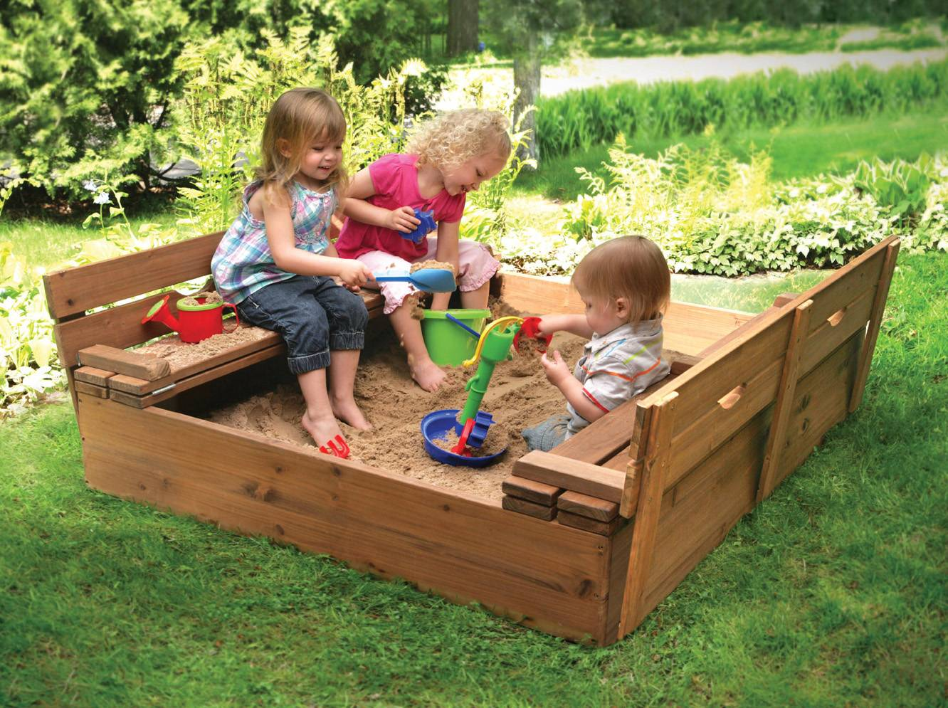5 simple ideas to make your backyard fun and kid friendly